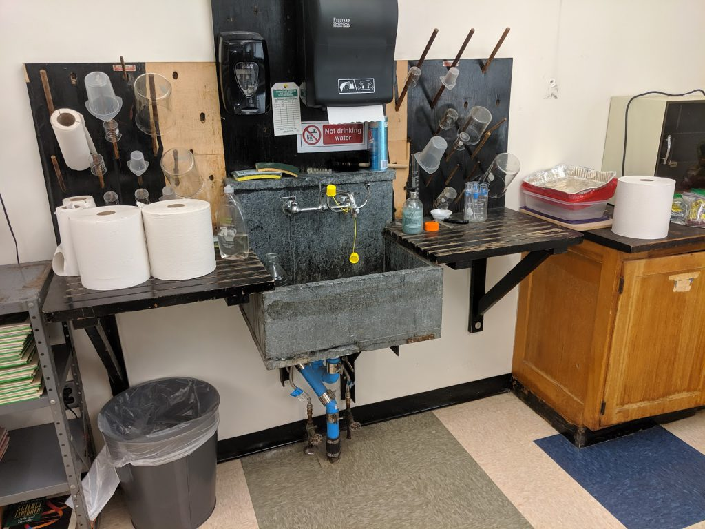 Photo of QMS science classroom